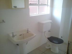 16 delflora bathroom